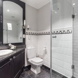 Apartment 502 Bathroom